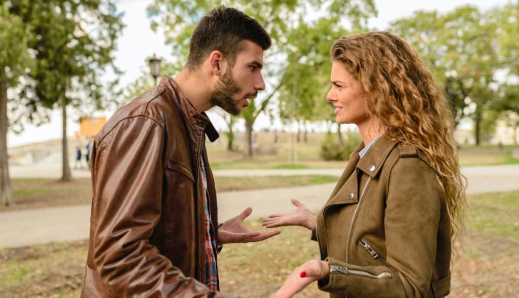 Horoskop za 3. april: Reči i dela vašeg partnera nikako da se usklade, budite oprezni