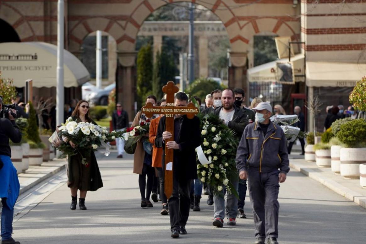 Simbolična sahrana glumca: Vlasta Velisavljević i u smrti slavi pozorište (foto)