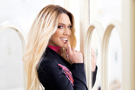 Stiže leto: Milica Todorović izgleda bolje nego ikad, evo u čemu je tajna! (video)