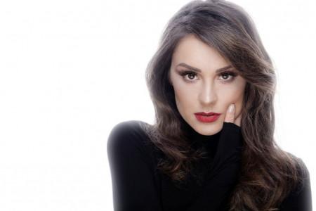 Dragana Mićalović u do sada neviđenom izdanju! Glumica se odvažila na potez, koji je ženama nezamisliv! (foto)