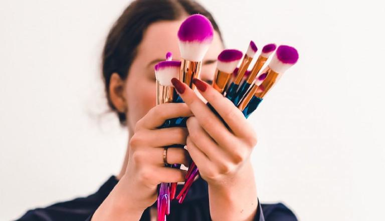 Savet profesionalnog šminkera: Kako šminku prilagoditi godinama?