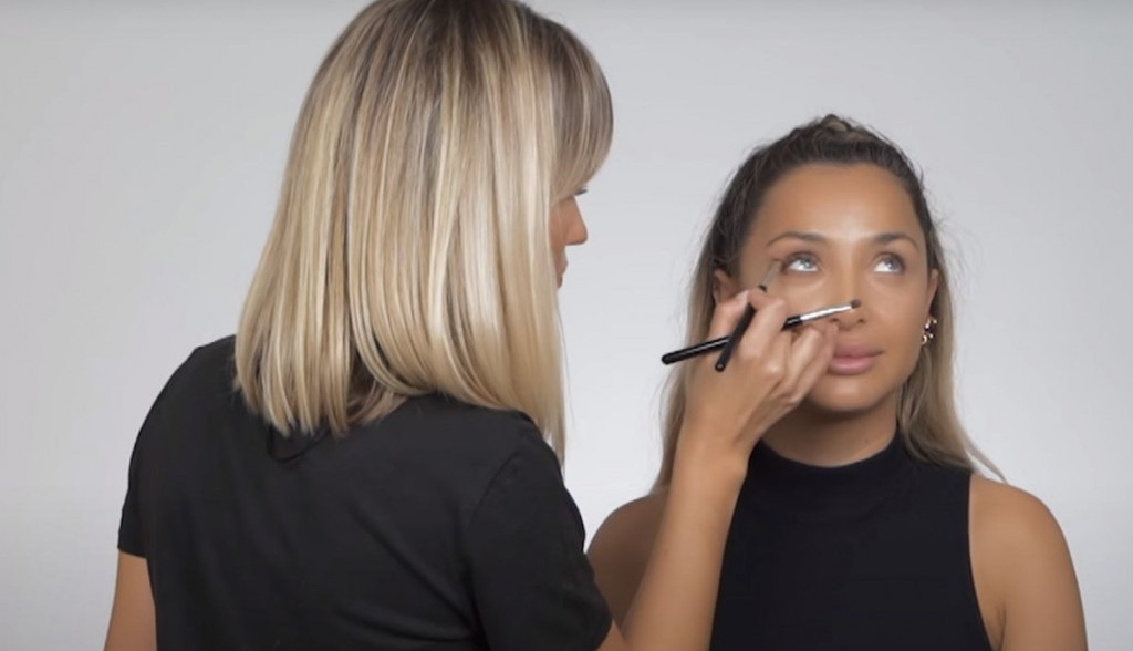 Korak po korak do savršenog make up look-a: Našminkajte se kao Maja Berović (video)