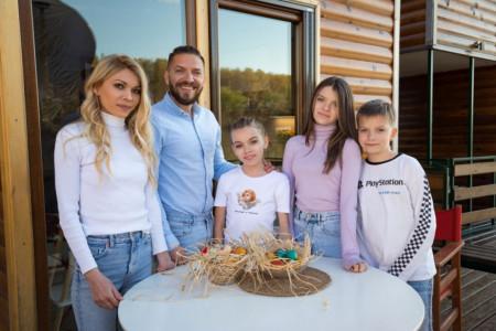 Otkrivamo: Kako protiče Veliki petak u domu glumca Peđe Damnjanovića (video)