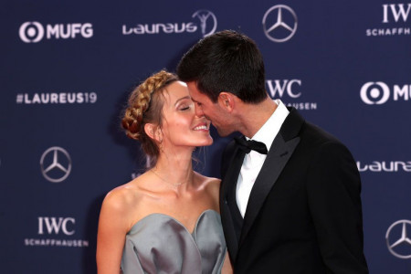Novak i Jelena pokazali prazničnu atmosferu u svom domu: Iznenadiće vas kako im je uređena dnevna soba (FOTO)