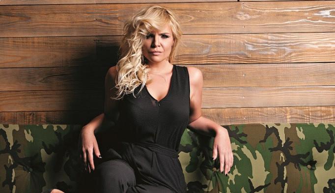 Bila je zvezda Survajvera, a kada se udala za Srbina i povukla se iz javnosti: Ovako danas izgleda Martina Vrbos (foto)