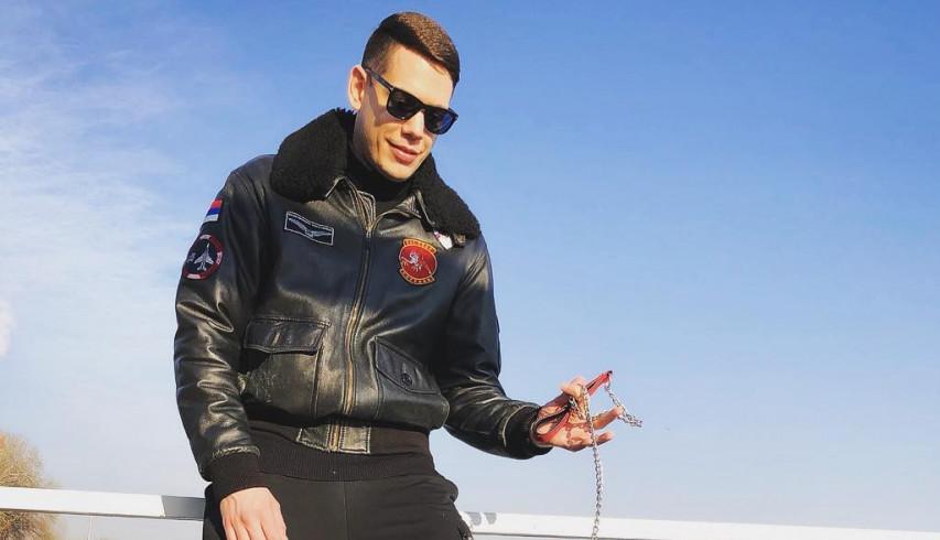OPA! Cecin dečko Bogdan Srejović u zagrljaju ove naše prelepe glumice! (FOTO)