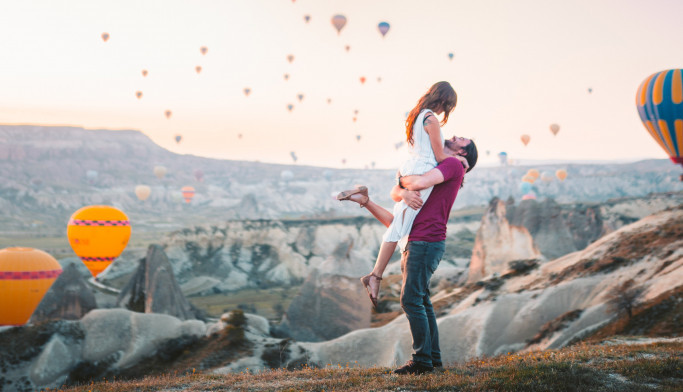 Ljubavni horoskop za 16. maj: Ljubav je u vazduhu, očekuje vas nežna atmosfera i iskrena razmena emocija