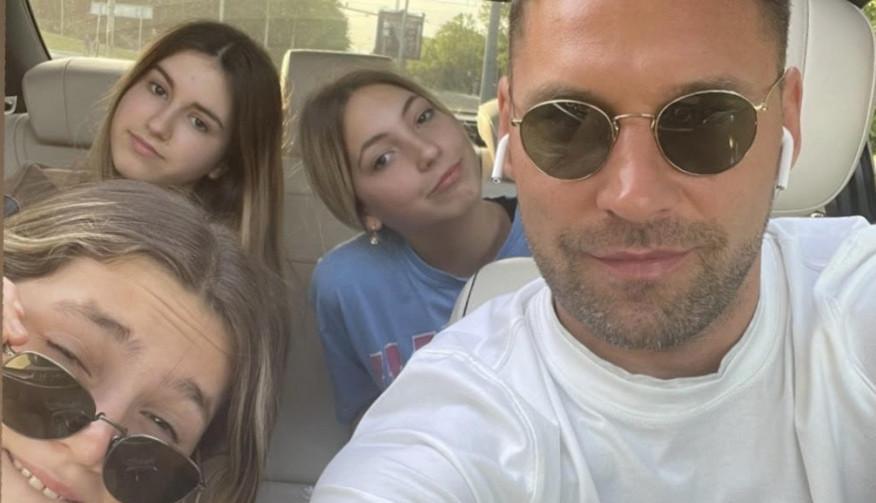 Duško Tošić snimao ćerku Niku na putu do škole, iznenadiće vas šta radi u kolima! (VIDEO)