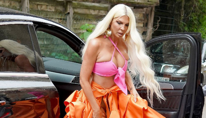 Ponovo dokazala da je neprikosnoveni modni guru: Odevna kombinacija Jelene Karleuše je apsolutni letnji hit! (FOTO)