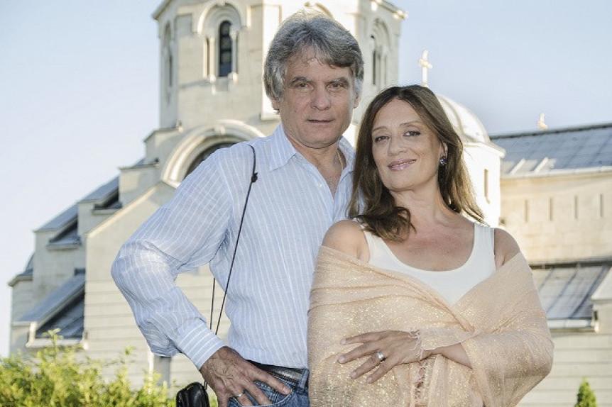 Fotografija sa venčanja je dokaz ljubavi: I posle 39 godina braka Dule Savić i Marina Rajević podjednako zaljubljeni