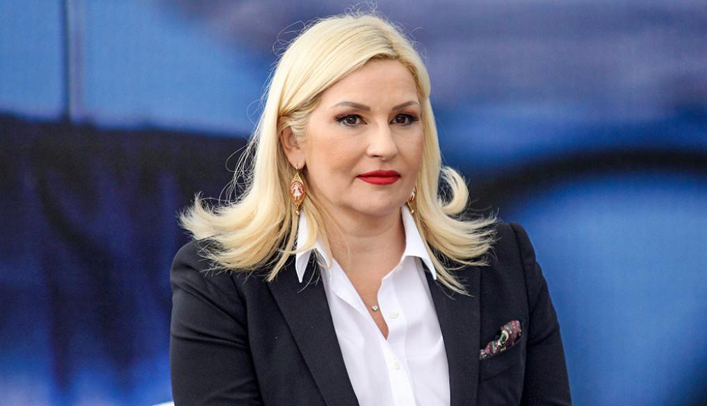 Ljubavna priča kao sa filmskog platna: Ovo je muž ministarke Zorane Mihajlović (FOTO)