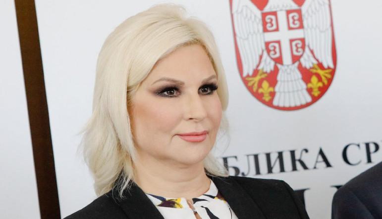 NE PRESTAJE DA SE KOMENTARIŠE: Ministarka Zorana Mihajlović u do sada neviđenom izdanju (FOTO)