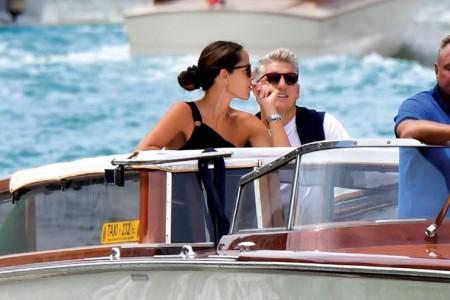 EKSKLUZIVNE FOTOGRAFIJE! Ovako milioneri slave godišnjicu braka: Ana Ivanović sa mužem Bastijanom plovi Venecijom