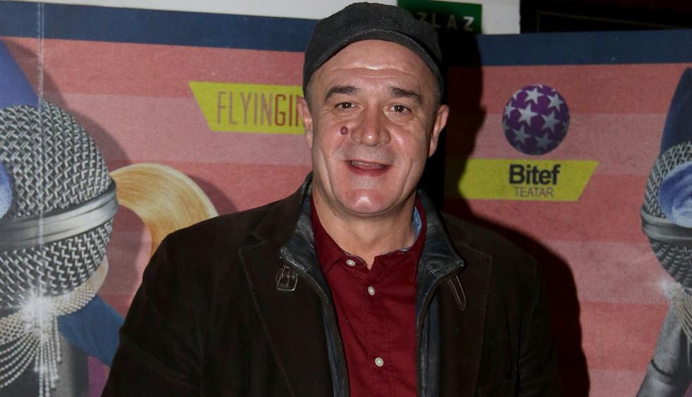 Boris Isaković na crvenom tepihu u Sarajevu privukao veliku pažnju! Svi komentarišu samo jedno (FOTO)