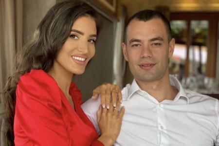 Čuju se svadbena zvona: Poznat datum venčanja Valentine i Kostadina Terzića, pogledajte kako izgleda pozivnica