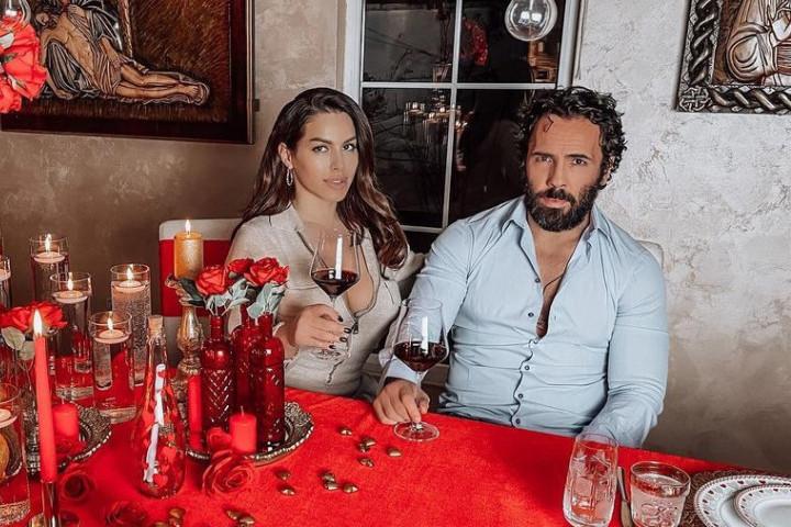 Zavirite na bajkovitu proslavu Seke Aleksić: Pevačica suprugu poručila samo jedno (FOTO/VIDEO)