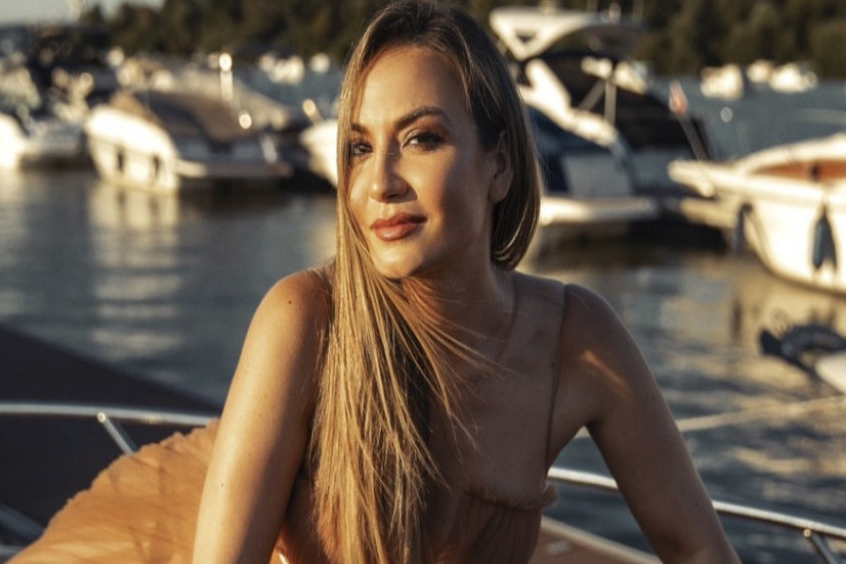 Jelena Tomašević ponela omiljeni jesenji beauty trend svih dama: Evo u čemu je tajna! (FOTO)
