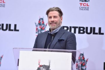 """PRAVA LEPOTICA – Džon Travolta u """"novom izdanju"""" objavio selfi sa ćerkom"""