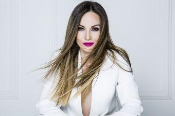 Ljubav za DAN ŽENA: Jelena TomaševićODUŠEVLJENA SAVRŠENIM POKLONOM