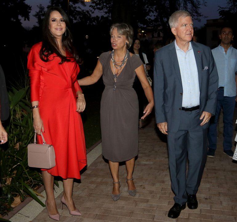 Prva dama Srbije Tamara Vučić zablistala u crvenoj haljini (foto ...