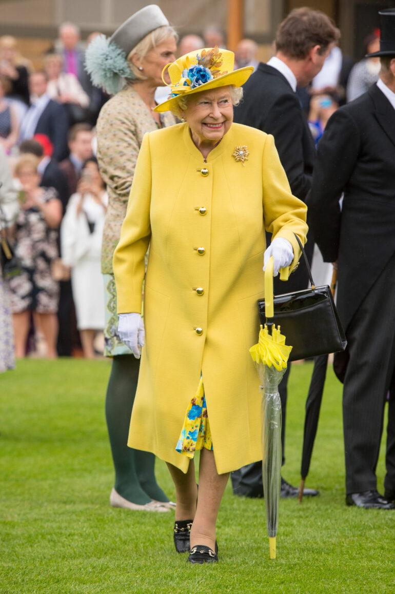 kraljica elizabeta žuto