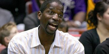SAN DIEGO - OCTOBER 22:   Former Lakers and Suns player A.C. Green attends the preseason game between  the Los Angeles Lakers the Phoenix Suns on October 22, 2006 at the iPayOne Center in San Diego, California. NOTE TO USER: User expressly acknowledges and agrees that, by downloading and or using this photograph, User is consenting to the terms and conditions of the Getty Images License Agreement.  (Photo by Stephen Dunn/Getty Images)